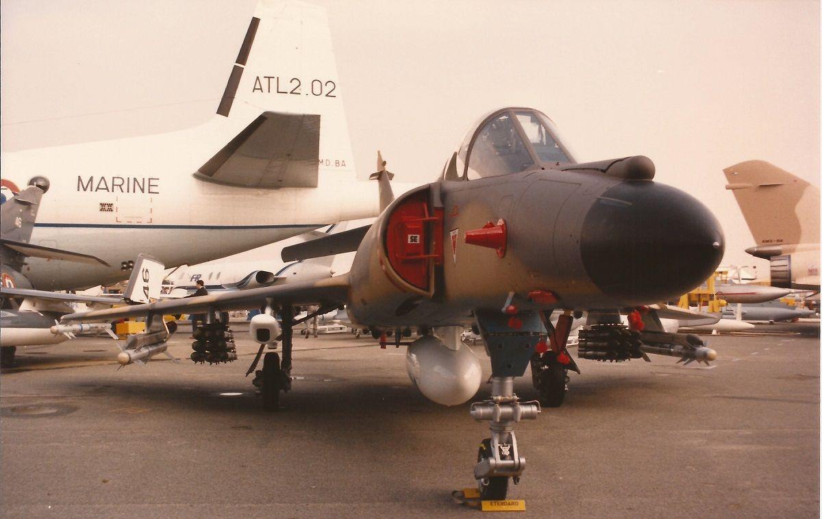 Aeronavale DassaultBreguet Super Etendard 37 Paris Le