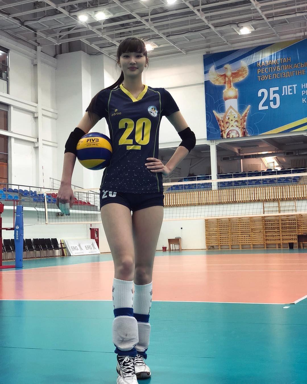 Potret Kecantikan Sabina Altynbekova Atlet Voli Putri Kazakhstan Yang Memesona Okezone Lifestyle Atlet Wanita Atlet Pemain Bola Voli