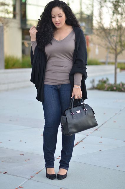 05e3da437d7 Great street style for curvy girls Plus oversize cardigan over top with  jeans