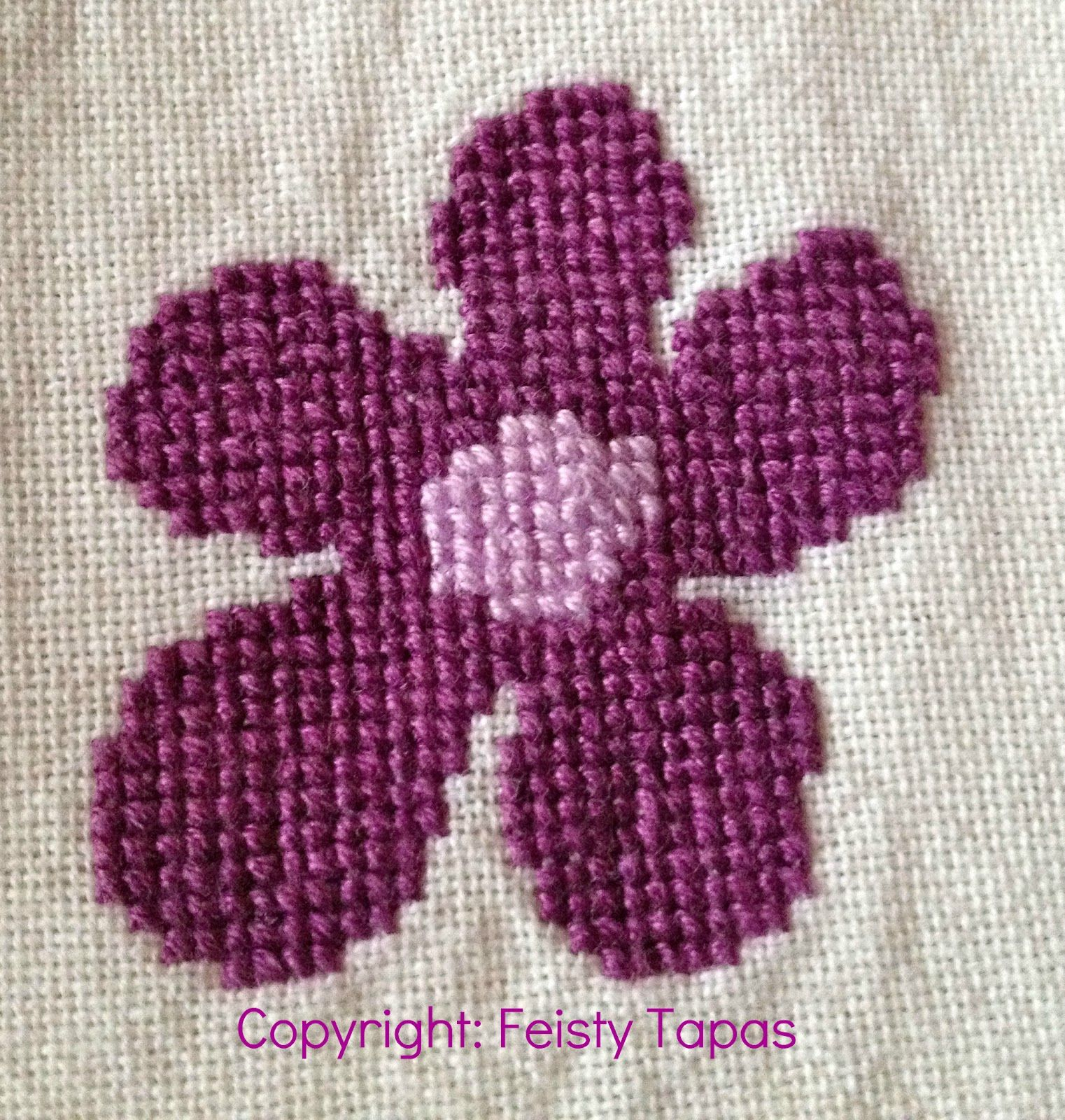 Hippy flowers a free cross stitch pattern cross stitch cross hippy flowers a free cross stitch pattern jeuxipadfo Choice Image