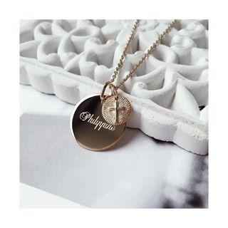 0ea337cc1cd6c Collier médaillon à graver et pendentif amour - Jolie Demoiselle - Bijoux  femme