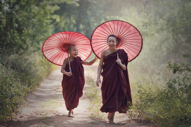 """Happy Time."" // Photography: Sarawut Intarob"