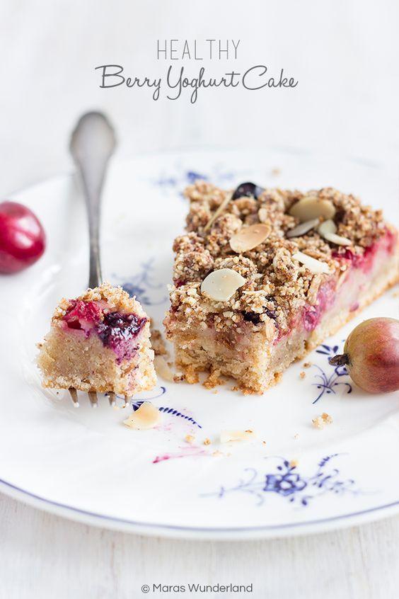 Sommer pur: gesunder Beeren-Joghurtkuchen • Maras Wunderland