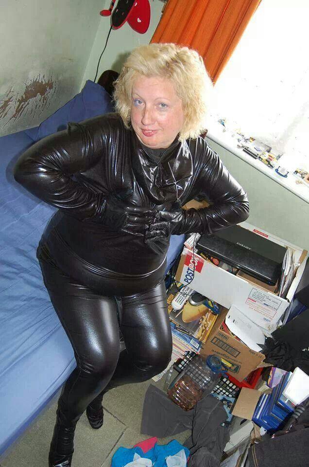 Mature lesbians in rubber — photo 4