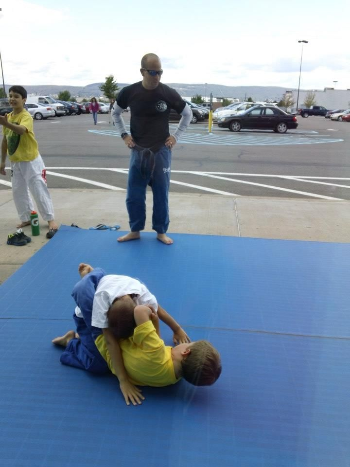 Scranton Mixed Martial Arts Supporting The Child Safe Event In Wilkes Barre Pa Mixed Martial Arts Martial Arts Ball Exercises