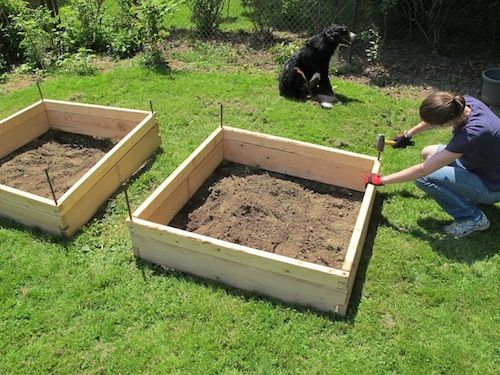 Garden boxes Lap corners on 2x6s Drill hole and insert rebar