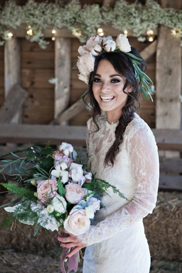 quel bouquet de mari e choisir 67 id es merveilleuses couronne de fleurs jolie femme et. Black Bedroom Furniture Sets. Home Design Ideas