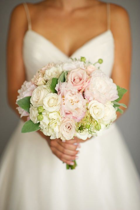 perfect colors--like this bouquet!