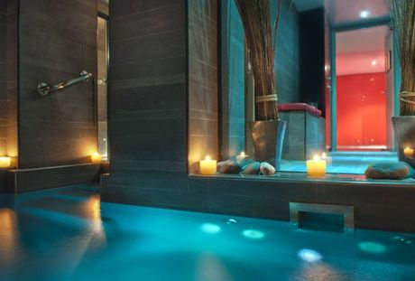 Three Perfect Valentine S Day Spas Hotel Interiors Hotel Paris Hotels