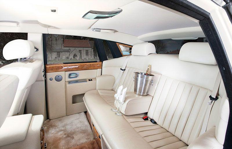 View From The Back Of The Modern Rolls Royce Wedding Car Rolls Royce Phantom Rolls Royce Interior Rolls Royce