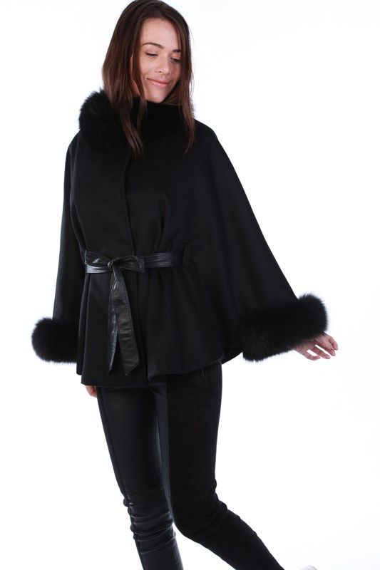 KEIRA Cape - Available on www.cuirparis.fr
