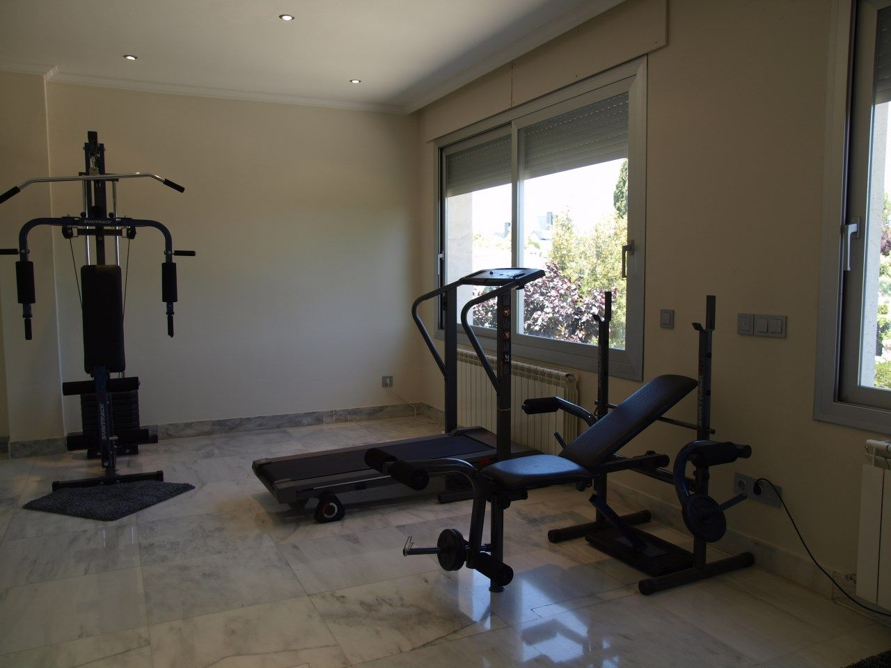 Gym en casa montar un gimnasio en el hogar chalet en - Gimnasios en casa ...