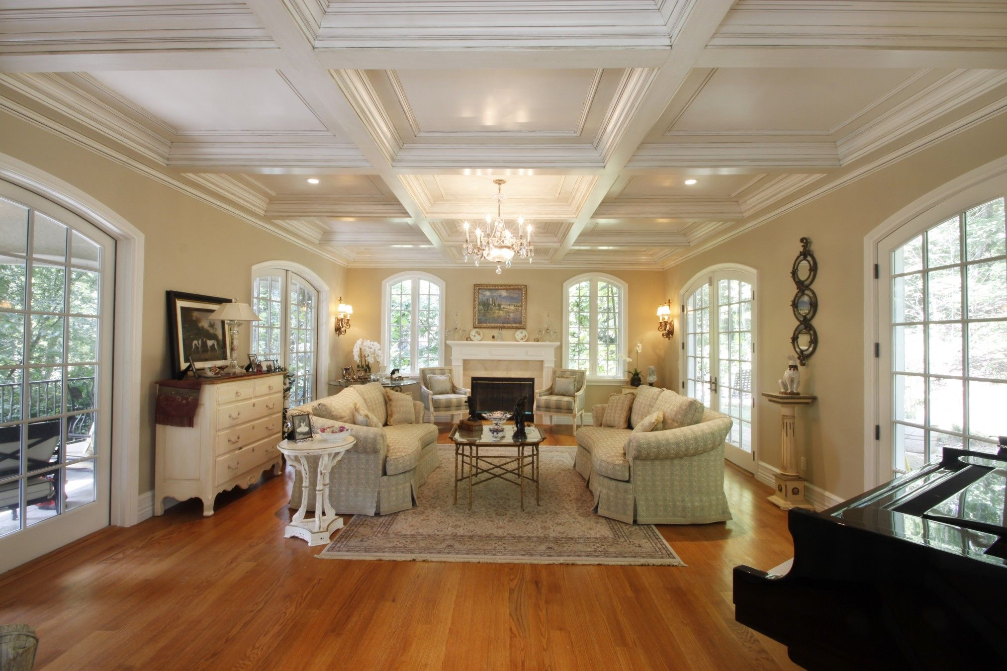 27 amazing coffered ceiling ideas for any room coffer ceiling design ideas tips and techniques for a unique coffered ceiling in kitchens living dailygadgetfo Image collections