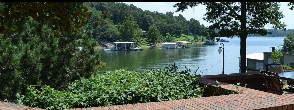 Candlewyck Cove Resort Candlewyck Cove a Grand Lake Resort. Hotels, Suites, Luxury Homes http://candlewyckcove.com/