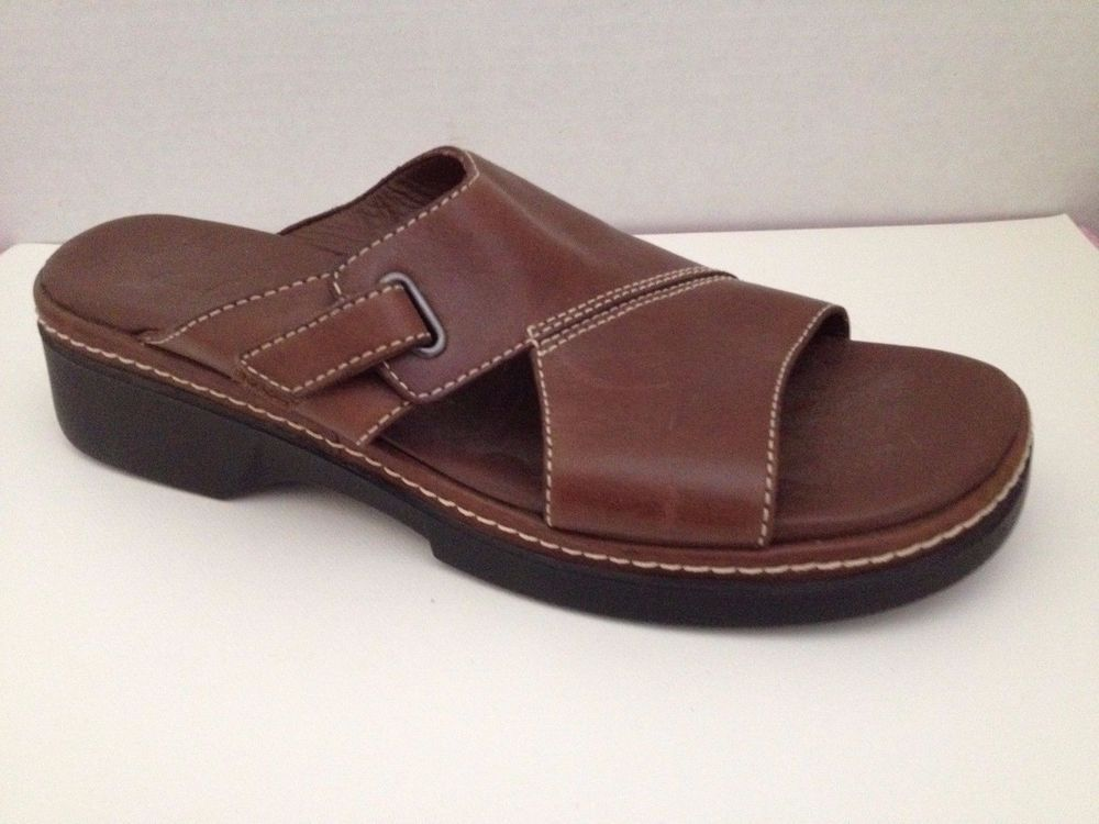d316ddfec5c9 Clarks Shoes Womens Size 8 N Sandals Brown 8N Narrow Width 31215  Clarks   Slides  Casual