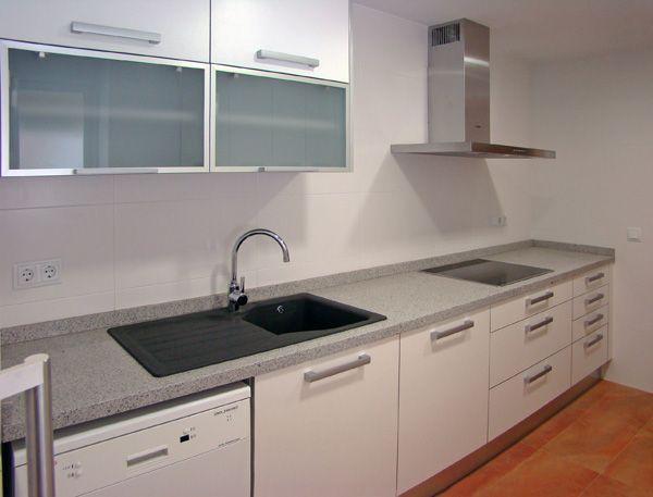 cocinas modernas blancas con gris buscar con google