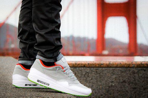 / Nike AIR MAX 1 YEEZY COLORWAY Chaussures: Basket
