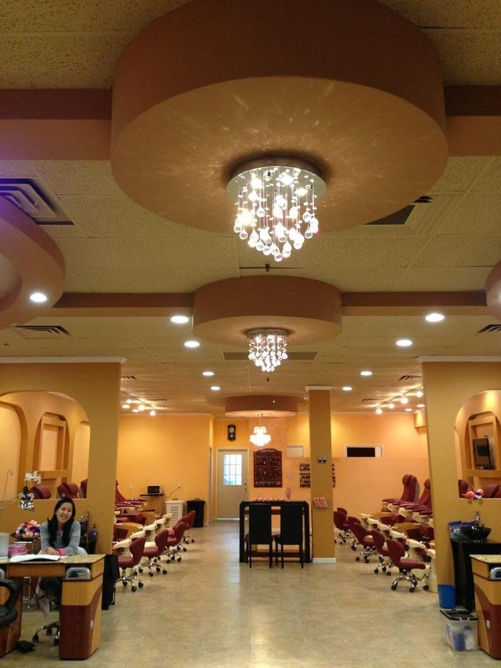 Deluxe Nails & Spa - Deluxe Nails & Spa (inside) - Brownwood, TX ...