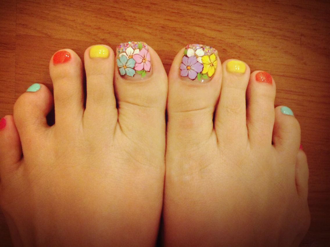 Flower nail design ... Pedicure | BeBerry Beauty Nails Spa and Wax ...