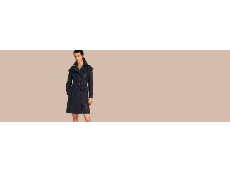 BURBERRY RUFFLE DETAIL MACRAMÉ LACE TRENCH COAT. #burberry #cloth #