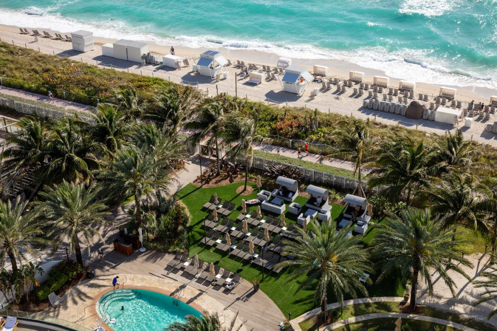 Image Result For Eden Roc Miami Spa Garden With Images Eden Roc Miami Beach Miami Beach Resort Beach Resorts
