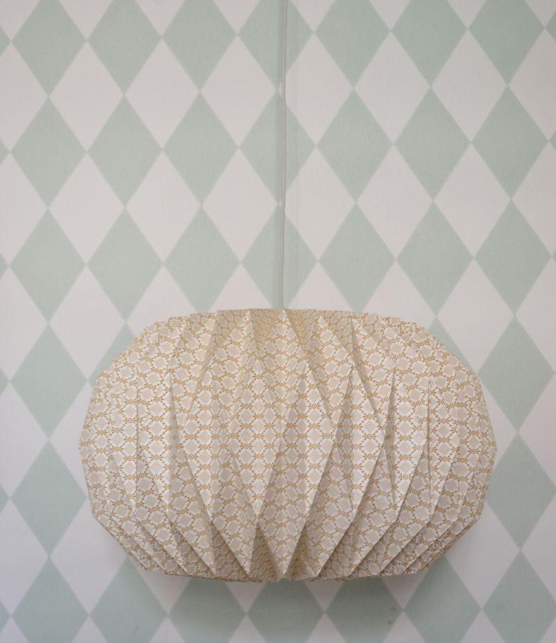 abat jour en papier illumination petit origami illumination mes habits ch ris kidstore. Black Bedroom Furniture Sets. Home Design Ideas