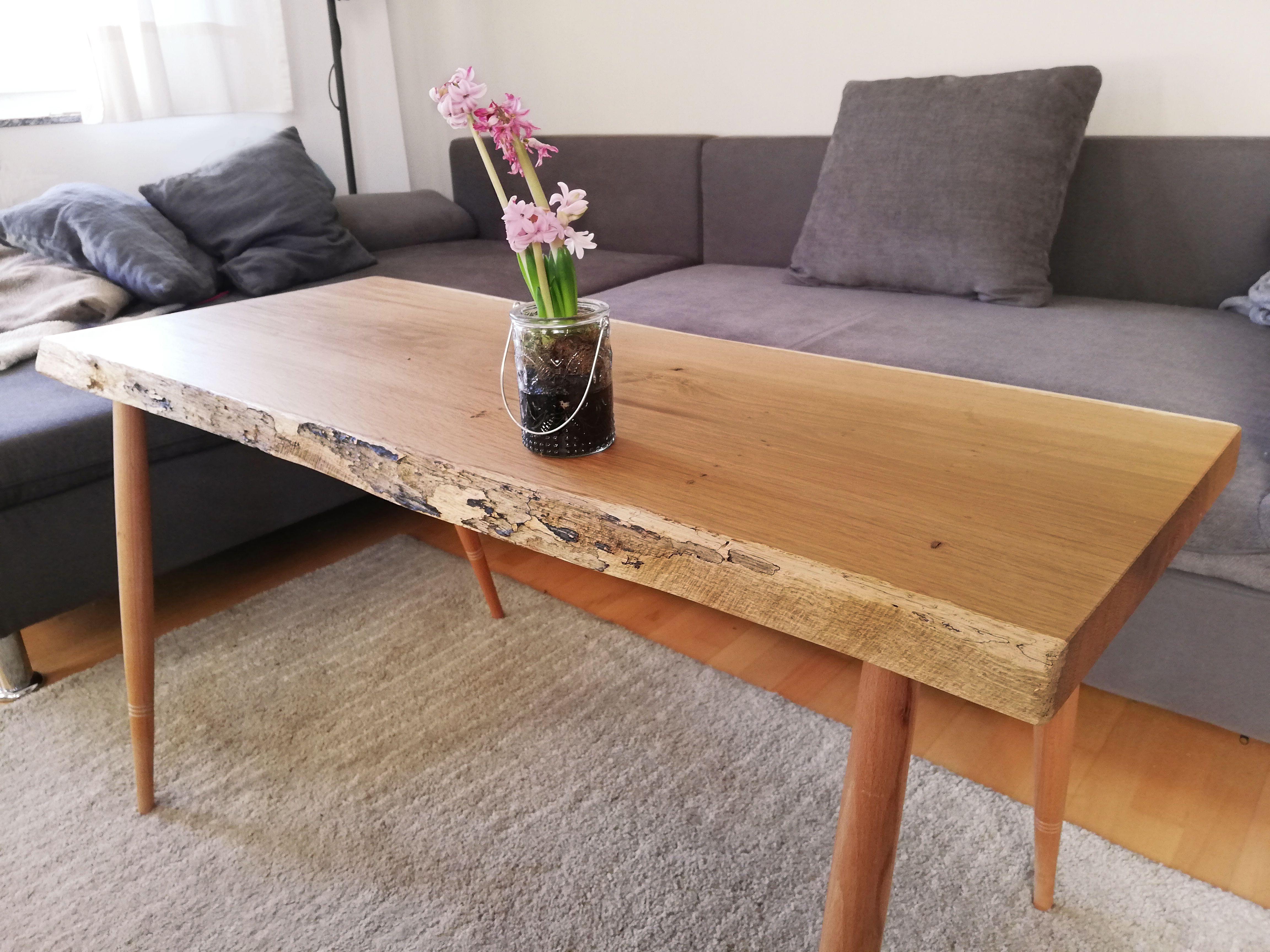 Couchtisch Mit Baumkante Rustikal Massiv Tisch