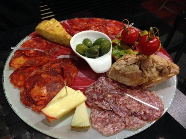 Aperitivo Principe a 9,90 anziche' 15 euro se prenoti tramite Laperitivo.it - Un aperitivo in zona Via Veneto, di classe e di natura iberica.