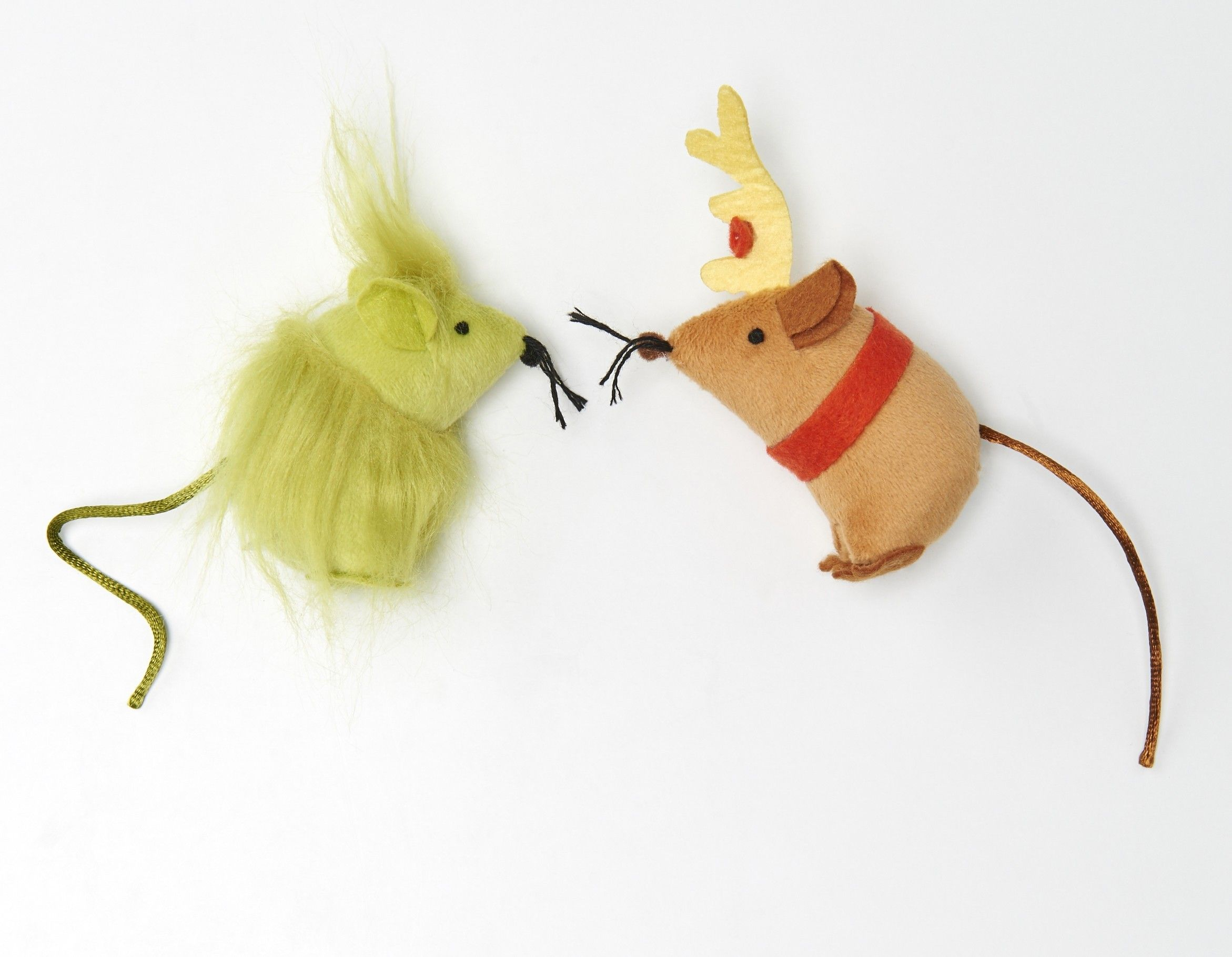 Ooh Look At These It S A Grinch And Max Mousies I M Ready To