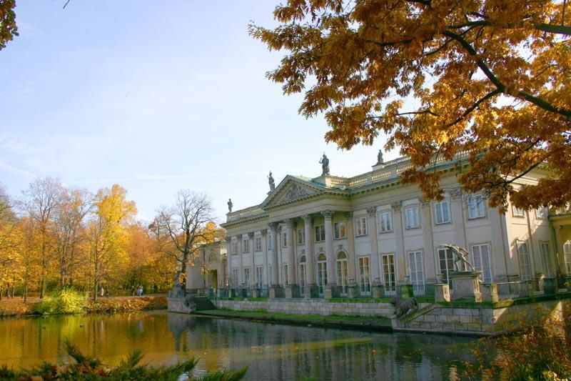Royal Palace In Lazienki Park Warsaw Palaces And Castles Poland