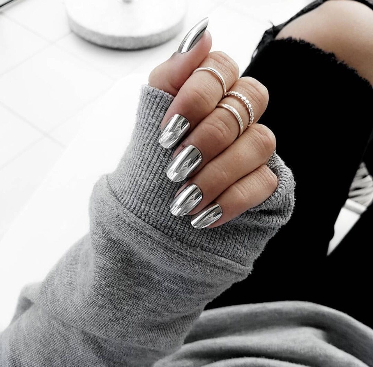 dcbarroso in 2020 Silver nails, Metallic nails, Nails