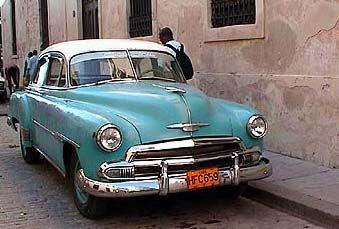 les anciennes voitures classic car am ricaines ann es 1950 de cuba voiture ancienne. Black Bedroom Furniture Sets. Home Design Ideas