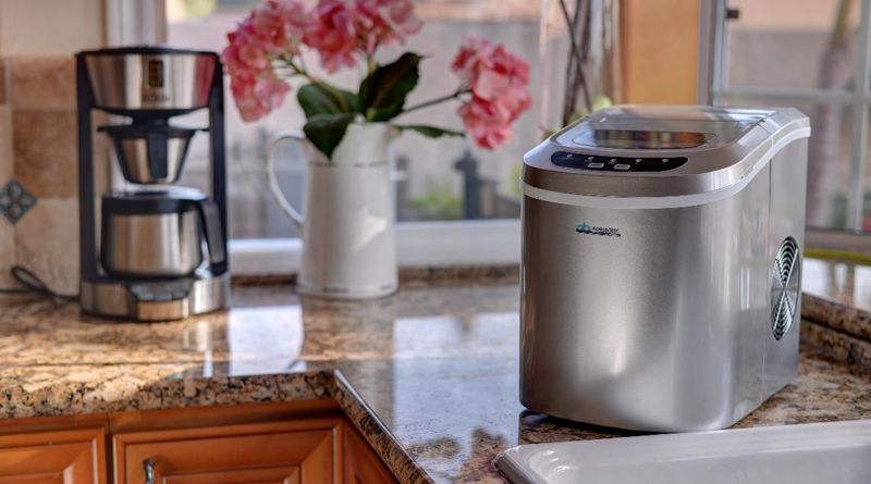 Finding The Best Ice Maker For Your Needs Portable Ice Maker Ice Maker Machine Ice Maker