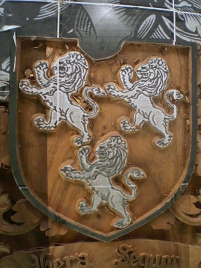 standing-lions-trio-crest.jpg (413×550)