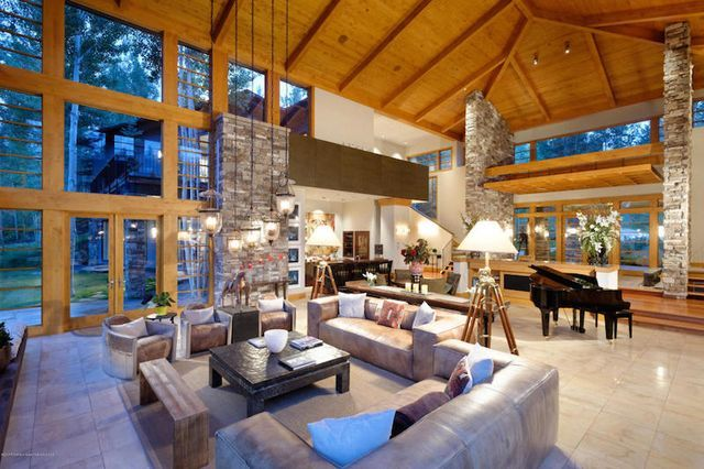 Holiday Retreat in Colorado Making the Most of Exquisite Surrounding Views (via Bloglovin.com )