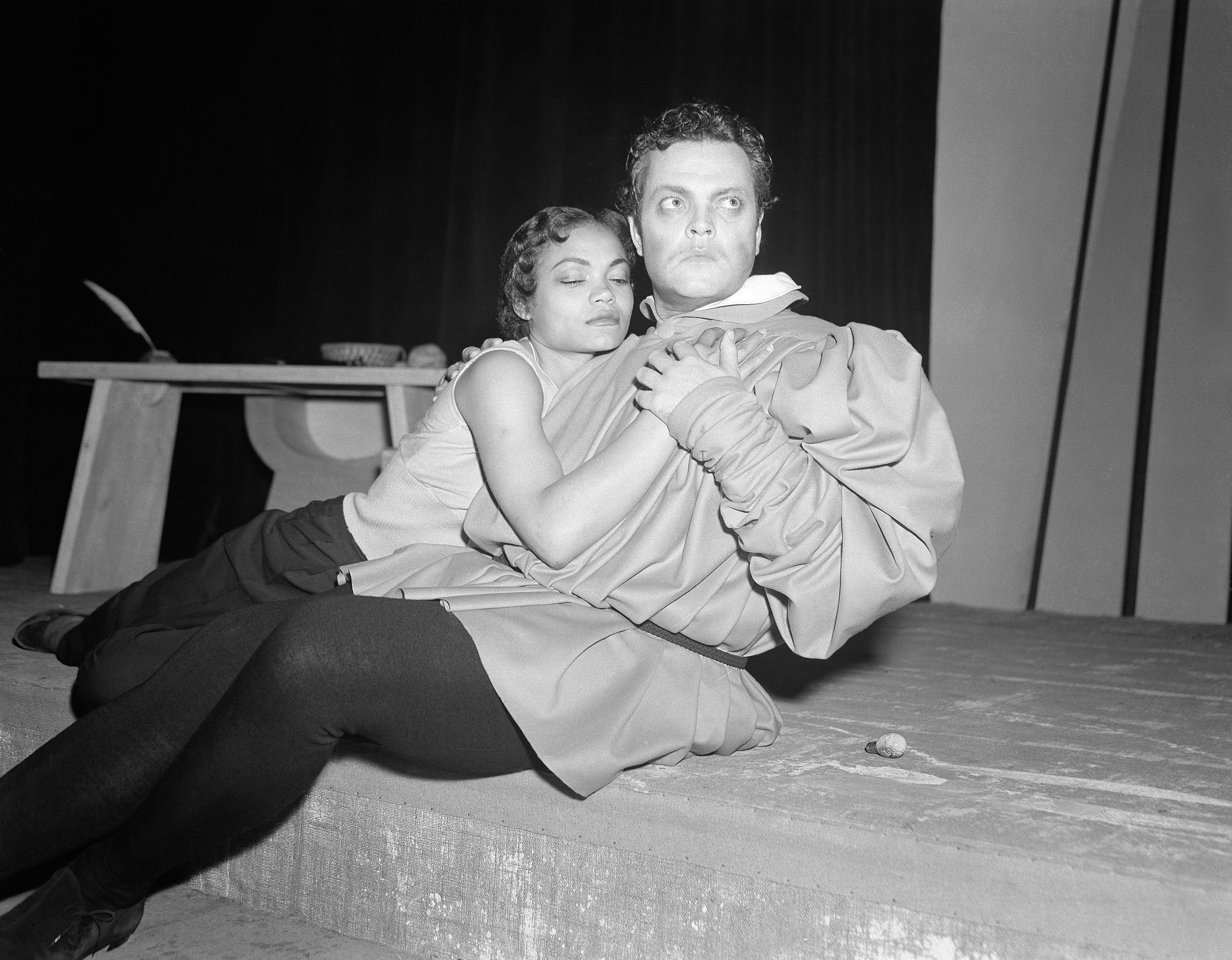 Orson Welles as Faust rehearses with Eartha Kitt as Helen of Troy at the theatre in Paris on June 14, 1950. (AP Photo/Jean Aubry)