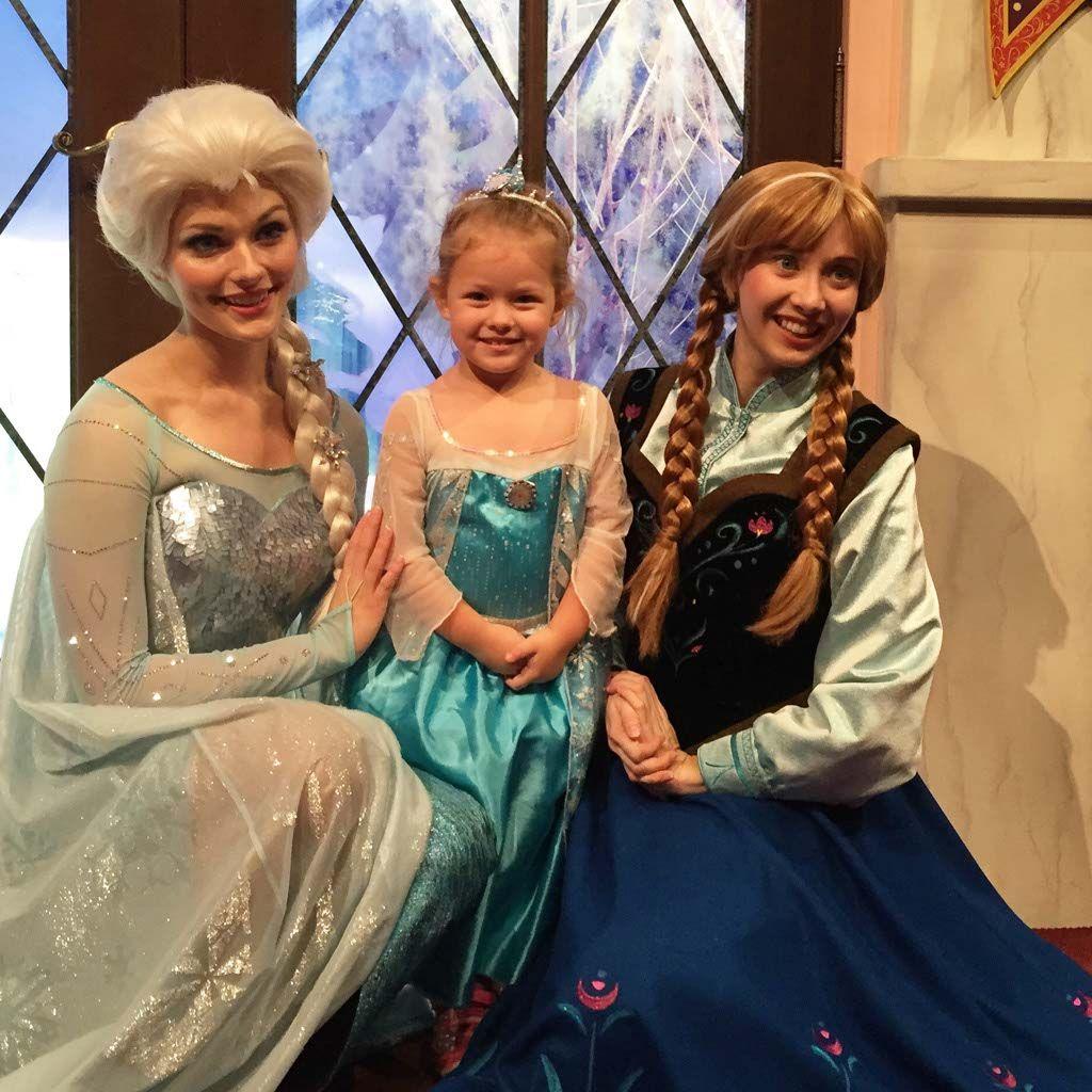 On every little girls list meeting frozens elsa anna at meeting elsa and anna at disneyland m4hsunfo