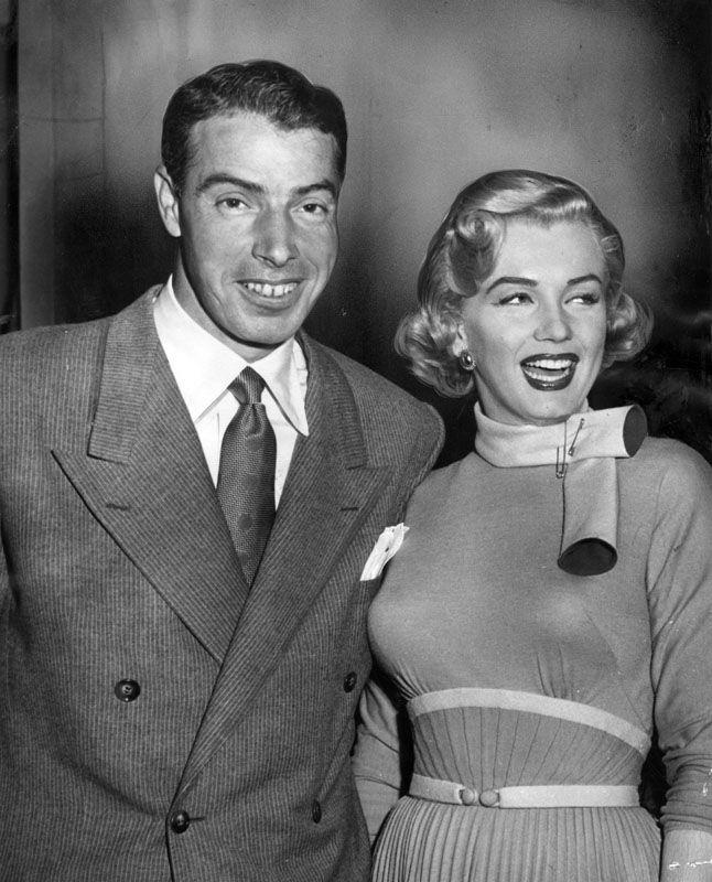 Marilyn Monroe Married Retired Baseball Player Joe Dimaggio In San Francisco In January 1954 Their Marriage Lasted Only 274 D Marilyn Monroe Marilyn Actresses