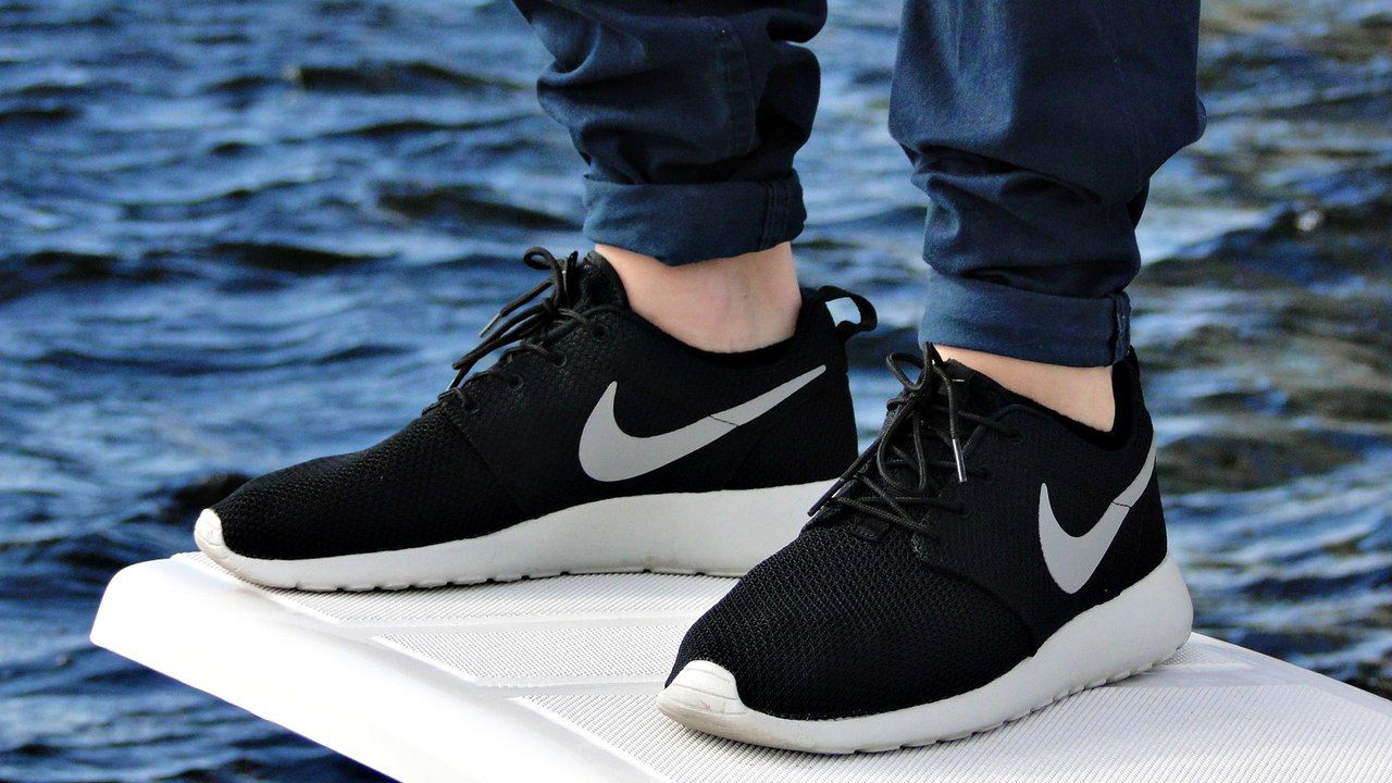 Nike Roshe Run Black Grey