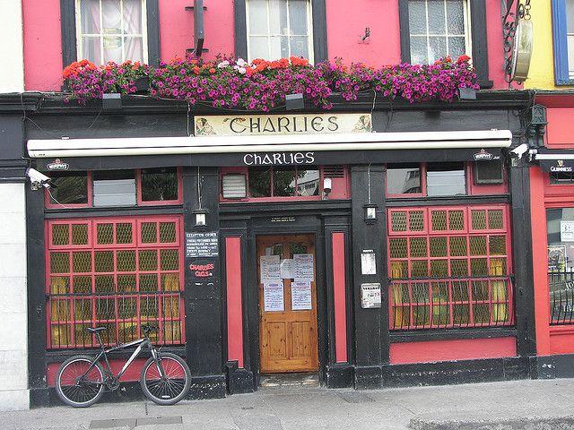 """Résultat de recherche d'images pour """"cork irlande charlie's bar"""""""