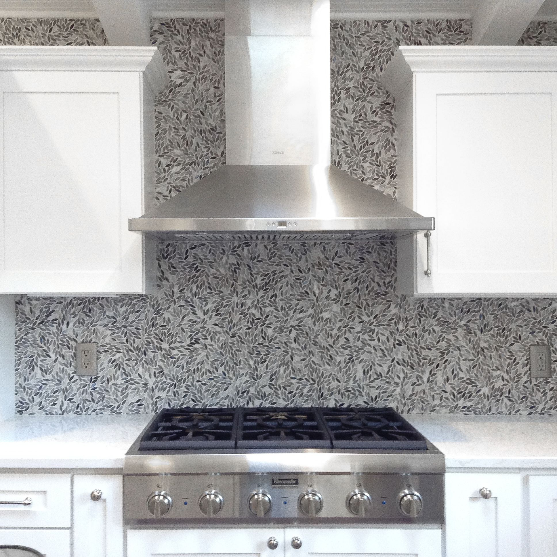 Artistic Tile I This Charming Yonkers Kitchen Takes On A Windswept Look With Our Hand Crafted Stained Glass Desi Artistic Tile Eclectic Kitchen Tile Backsplash