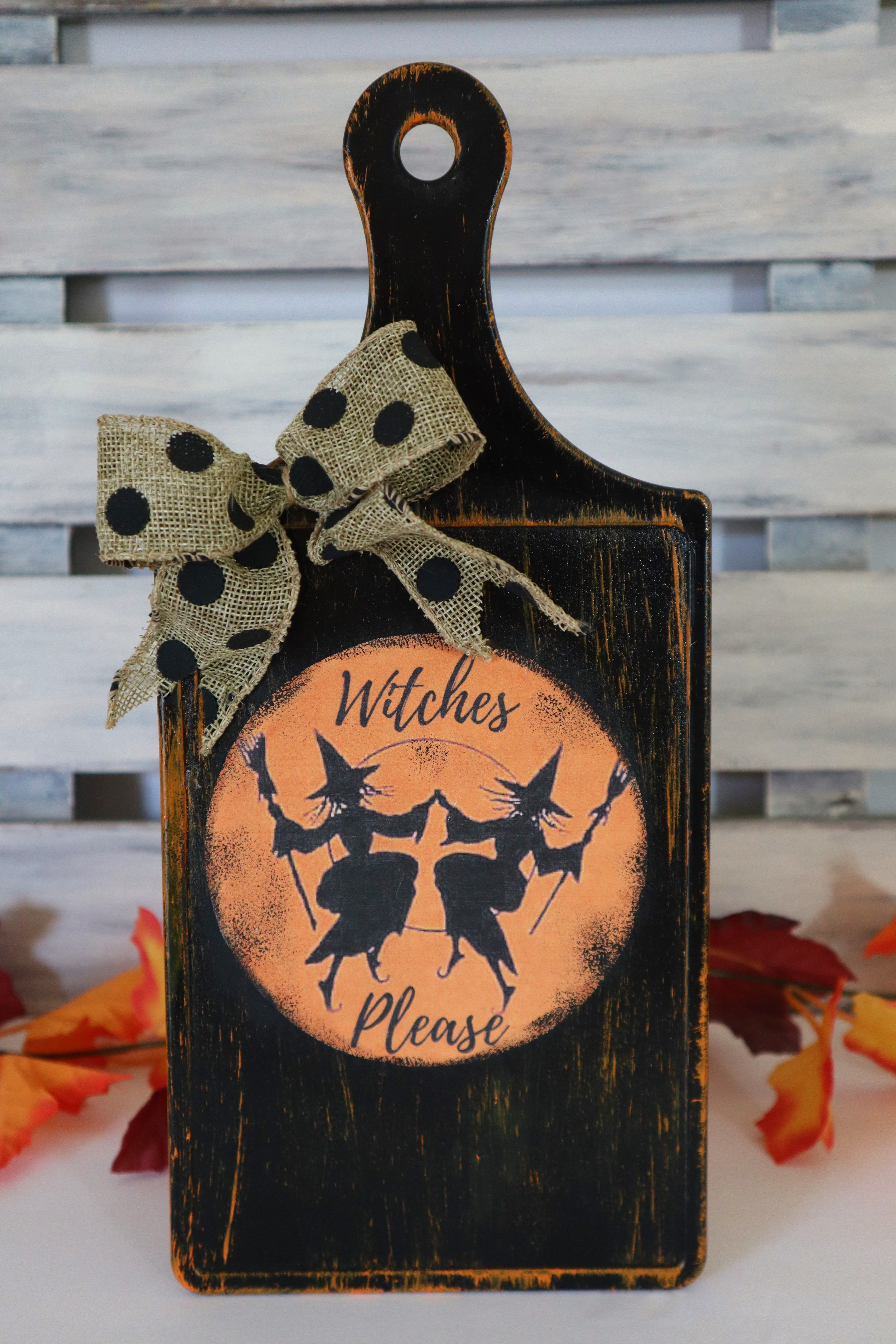 Halloween is a super thrilling night of the year and will be upon us before you know it. Dollar Tree Halloween DIY in 2021   Dollar tree halloween, Diy crafts vintage, Halloween diy crafts