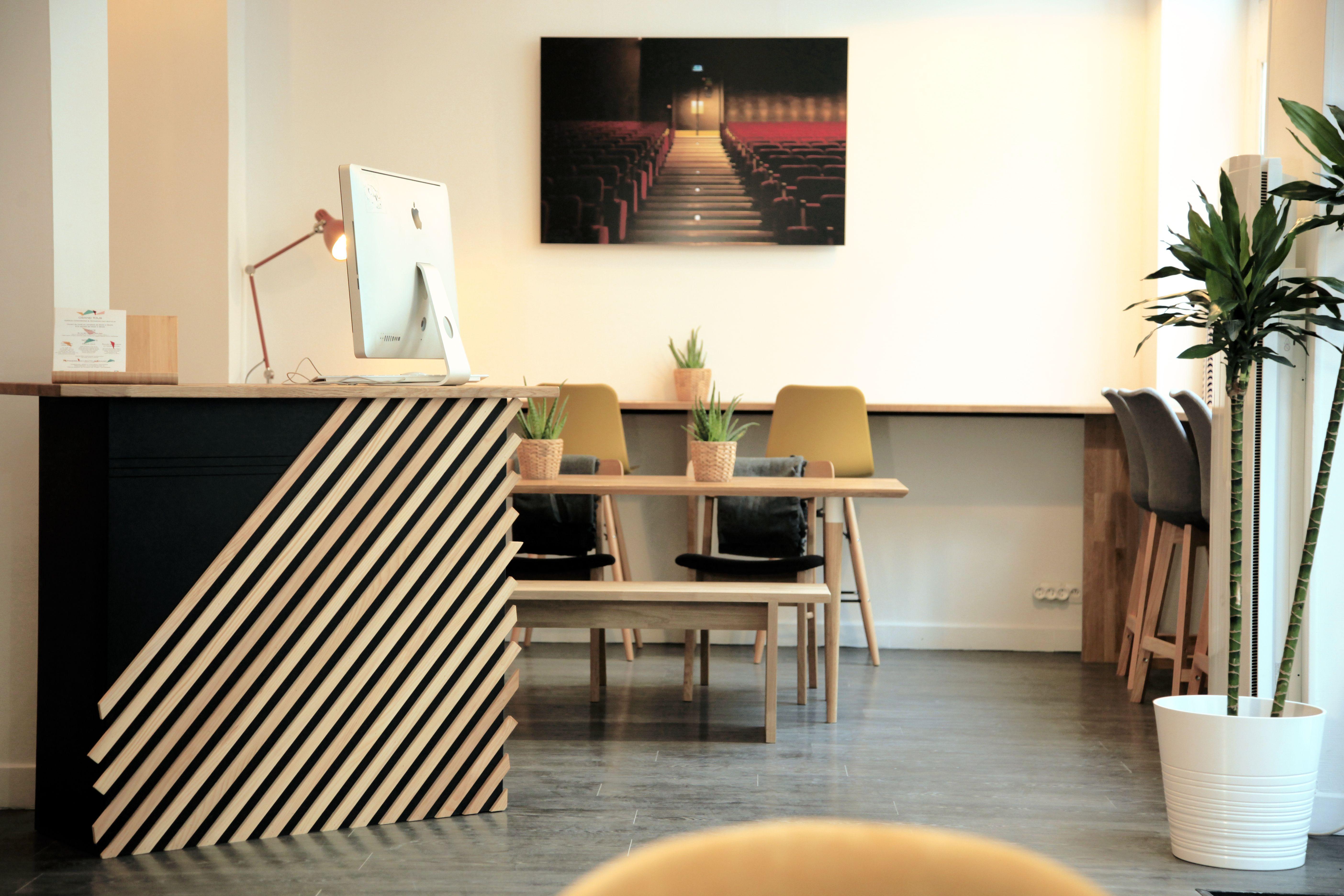 Coworking Grand Tour Une Atmosphere Un Lieu Comme Chez Soi Decoration Maison Mobilier De Salon Mobilier Sur Mesure