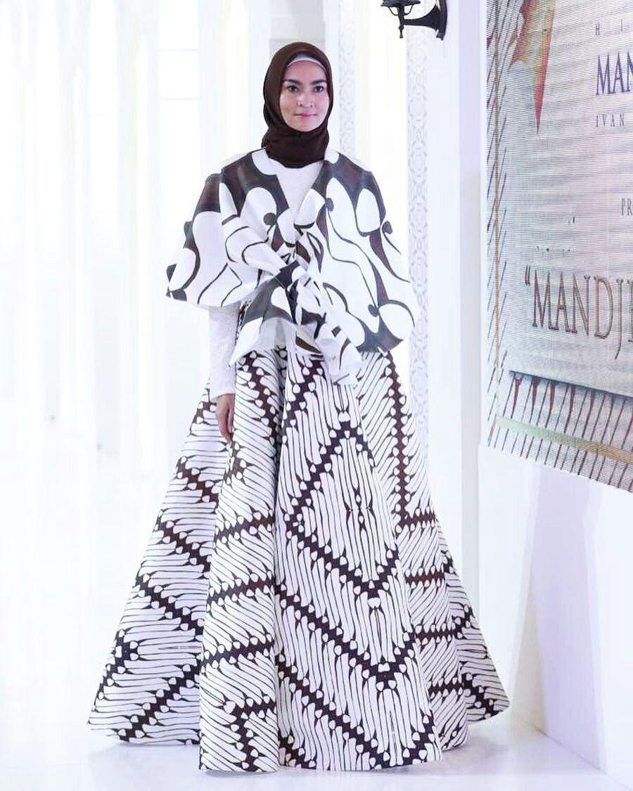 Model Gamis Batik Ivan Gunawan di 10  Model baju wanita
