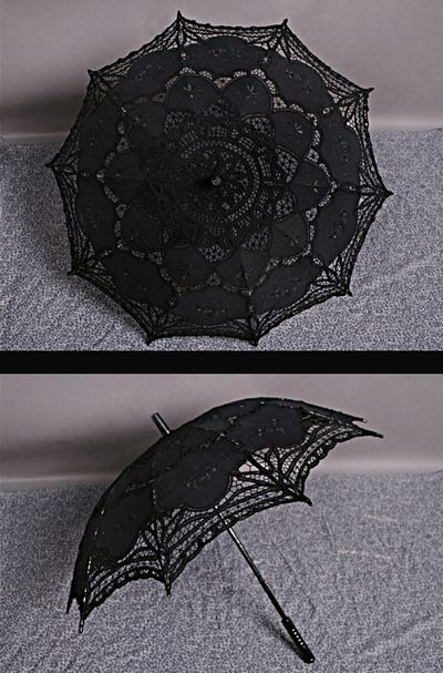 Gothic Lace Umbrella $27 What gothic wedding would be complete without a parasol!