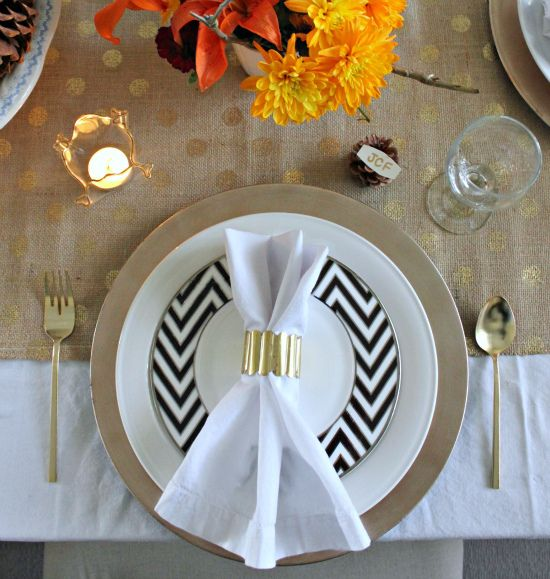 Beautiful Table Setting Ideas--love the black chevron salad plate & Beautiful Table Setting Ideas--love the black chevron salad plate ...