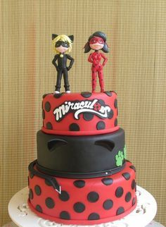 Bolos decorados miraculous as aventuras de ladybug for Decorazioni torte ladybug