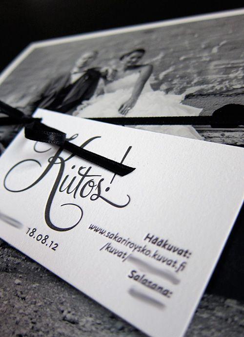 Kiitoskorttiin vieraille pääsy hääkuvien katseluun. Kosittiin. Tahdomme. -blogi
