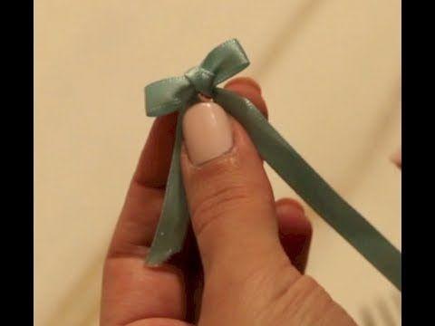 Como fazer mini laço com garfo - YouTube  c970f6efe21