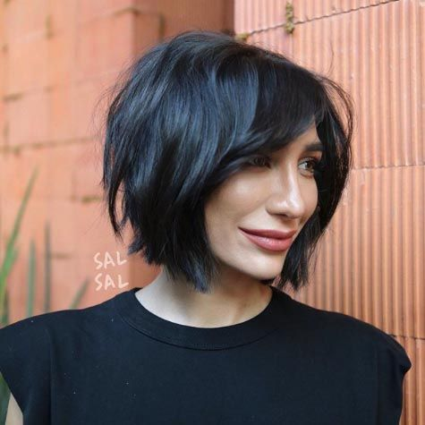 25 Volume Boosting Haircuts For 2021 Even Dolly Parton Would Approve Of In 2020 Choppy Bob Haircuts Volume Haircut Short Hair Styles